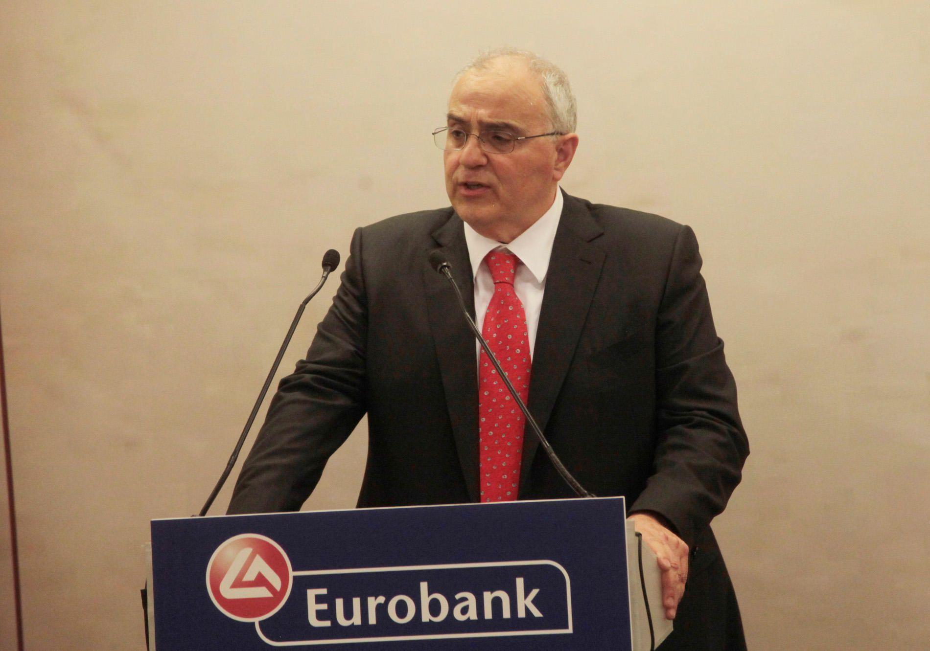 Νίκος Καραμούζης. Ετών 60. Πρόεδρος της Eurobank