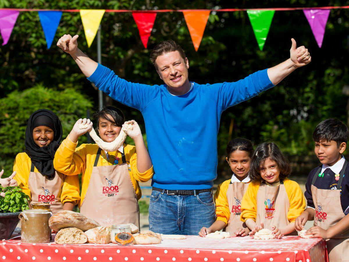 jamie-oliver-estimated-net-worth-240-million