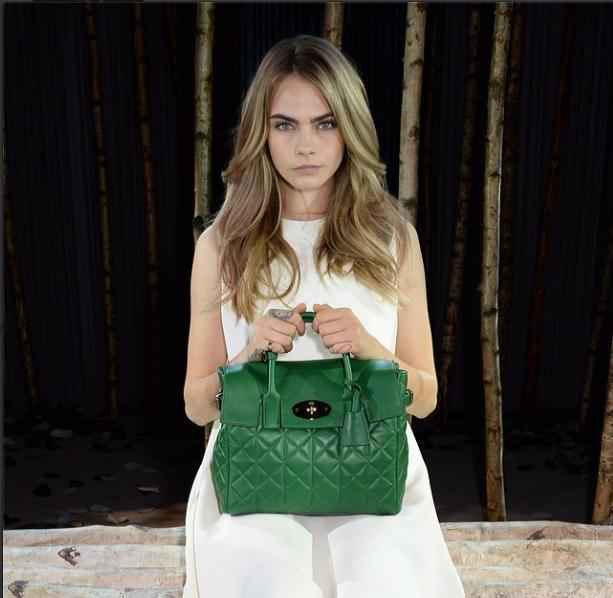 Η Cara Delevingne στην Εβδομάδα Μόδας στο Λονδίνο