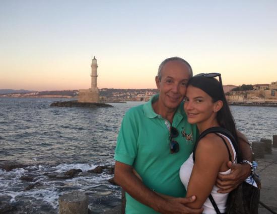 dating με μεγαλύτερο άτομο που περνάει από διαζύγιο Top 20 Αυστραλιανές ιστοσελίδες γνωριμιών