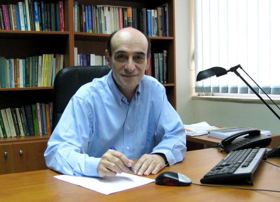 Παναγιώτης Πετράκης. Καθηγητής ΕΚΠΑ