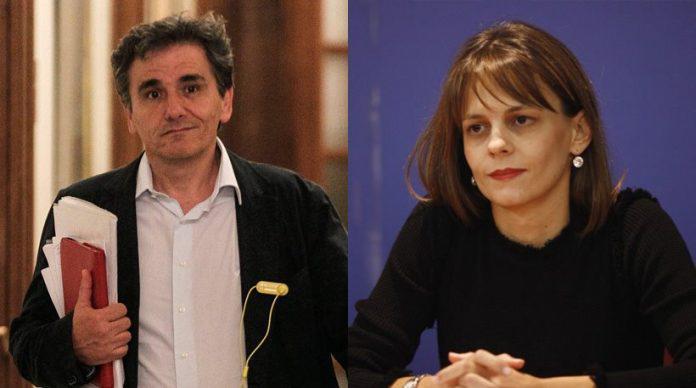 Από αριστερά: Ευκλείδης Τσακαλώτος (υπουργός Οικονομικών),Έφη Αχτσιόγλου (υπουργός Εργασίας)