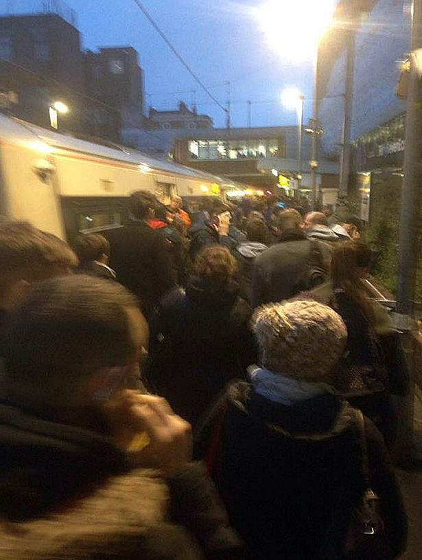 Dalston-Kingsland-train-evacuation (2)