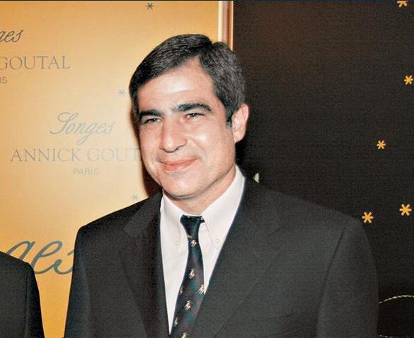 Κωνσταντίνος Λαμπρόπουλος. Επικεφαλής Attica Stores