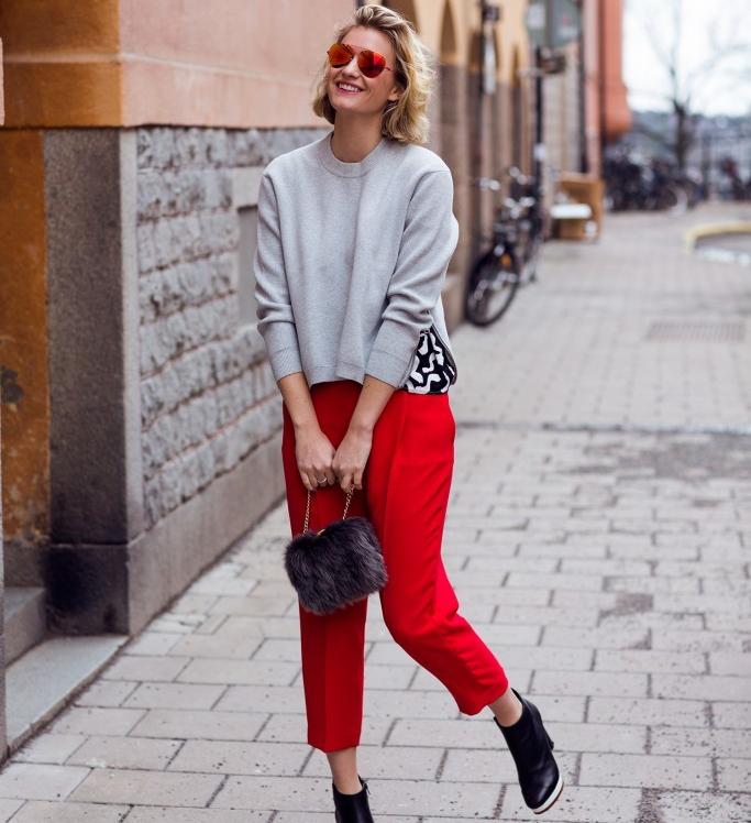 Κόκκινο  Πώς θα φορέσετε το χρώμα του χειμώνα με στυλ - mononews 96bcddae835