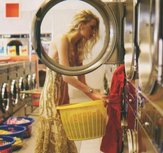 897e057e9759 πλύσιμο ρούχων