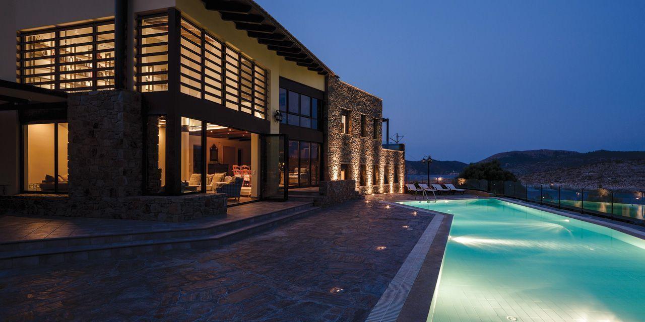 Μια  πολυτελής εξοχική κατοικία με πανοραμική θέα στα Καρδάμυλα Χίου