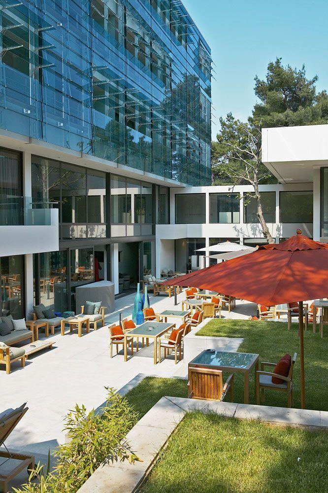 Καμαρώστε το: Ένα πολυτελές και μοντέρνο ξενοδοχείο στην Εκάλη