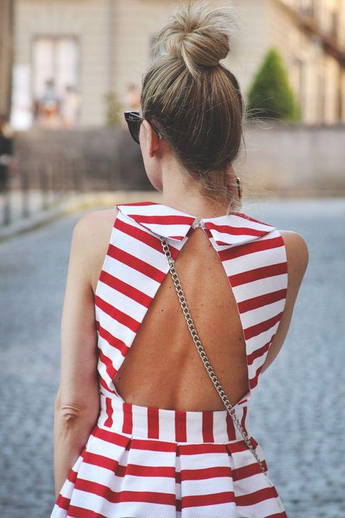 Αν είστε από αυτές που λατρεύουν τα φορέματα με τα περίεργα ανοίγματα στην  πλάτη ή τα μπλουζάκια με τις πολύπλοκες τιράντες 44b8c6c13d6