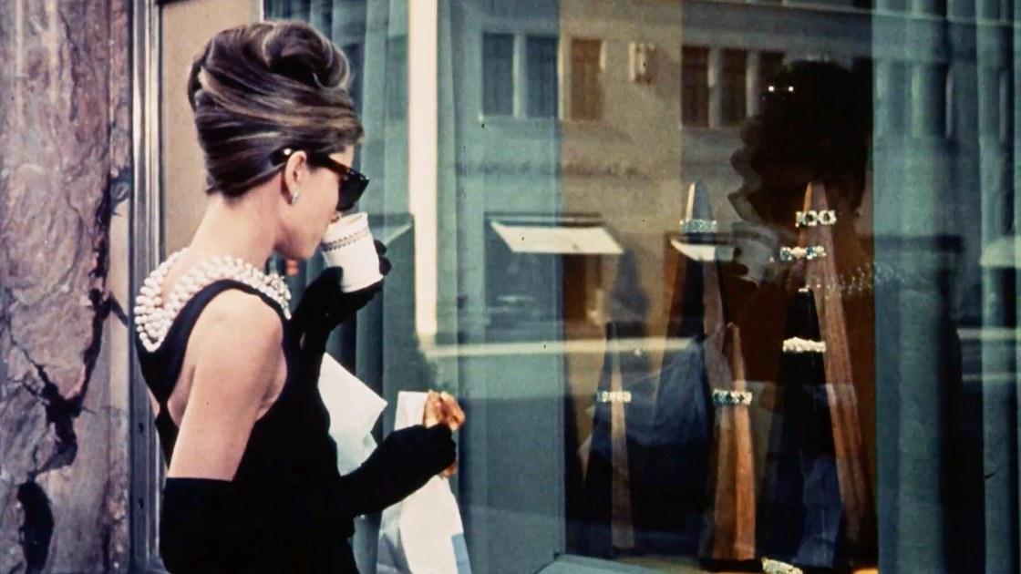Louis Vuitton: Αύξησε την προσφορά για την εξαγορά της Tiffany & Co. στα 15,7 δισ. δολάρια