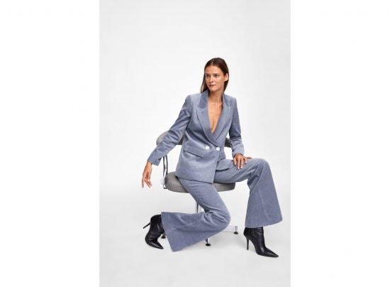 f4cafb1c8f58 ZARA  Πέντε υπέροχα γυναικεία κοστούμια για δυναμικές και θηλυκές εμφανίσεις