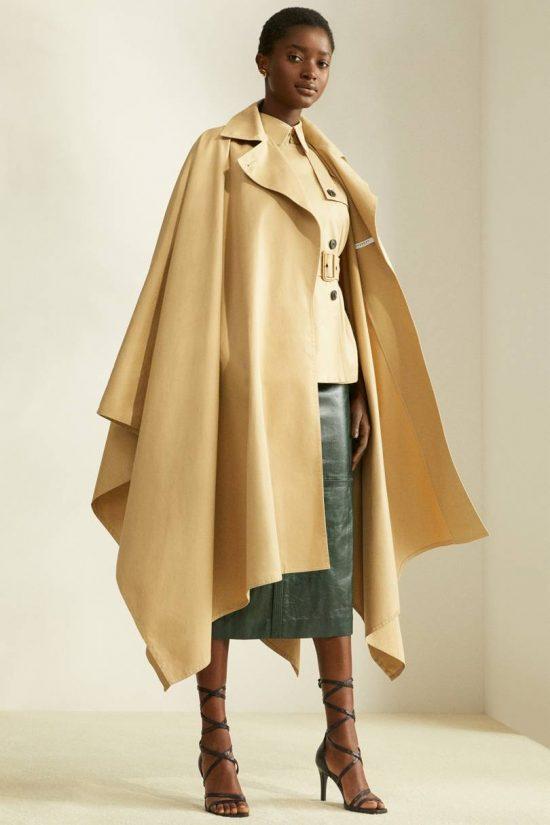 919f668fef4e Η Vogue μας προτείνει 10 σικ κάπες για τα φθινοπωρινά μας outfits