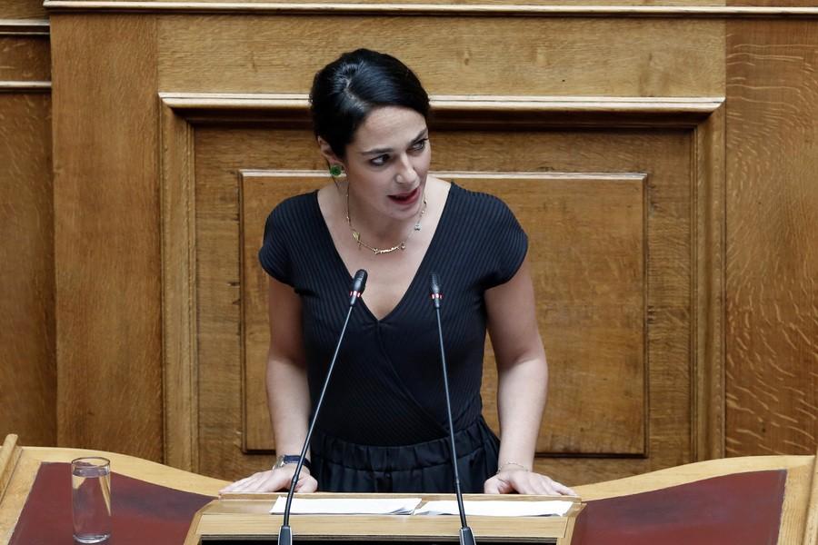 Βουλή: Ξεκίνησε η επεξεργασία του νομοσχεδίου για την κακοποίηση ανήλικων
