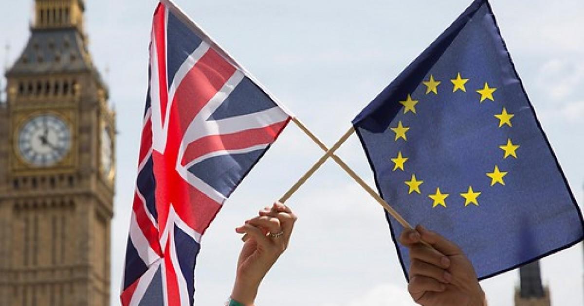 Βρετανία: Το Λονδίνο καθυστερεί την εφαρμογή εμπορικών ελέγχων