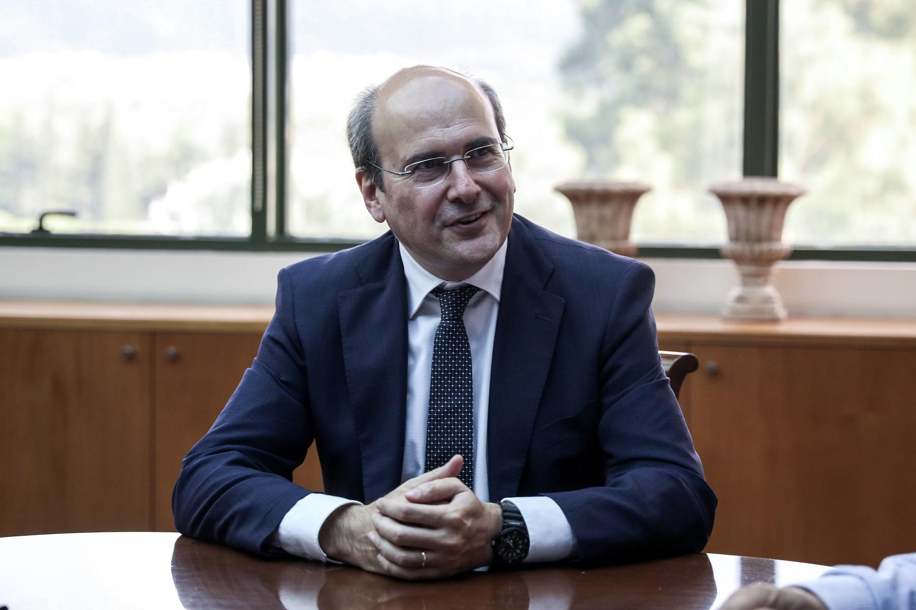 Κωστής Χατζηδάκης, Υπουργός Εργασίας και Κοινωνικών Υποθέσεων