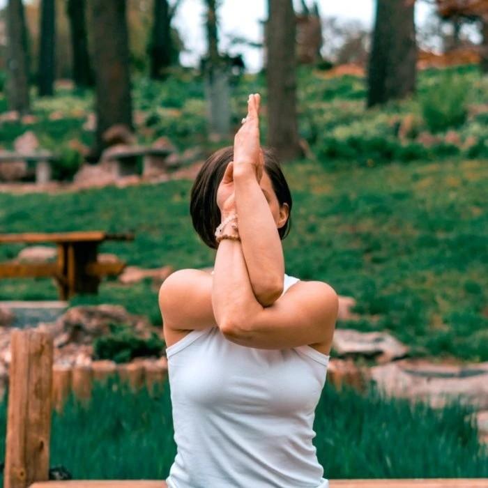 Πώς θα μπορέσει η γιόγκα να σας κάνει «ένα» με τη φύση