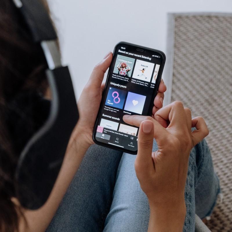 To Spotify θέλει να προτείνει τραγούδια ανάλογα με την ψυχολογική μας κατάσταση