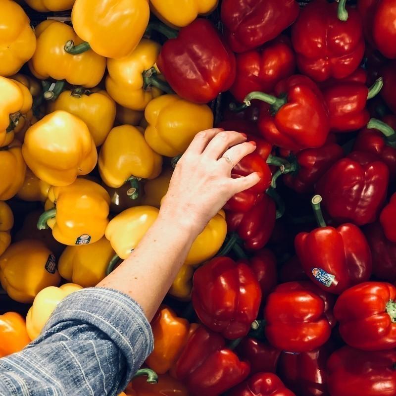 Σε τι διαφέρουν η κόκκινη από την κίτρινη πιπεριά;