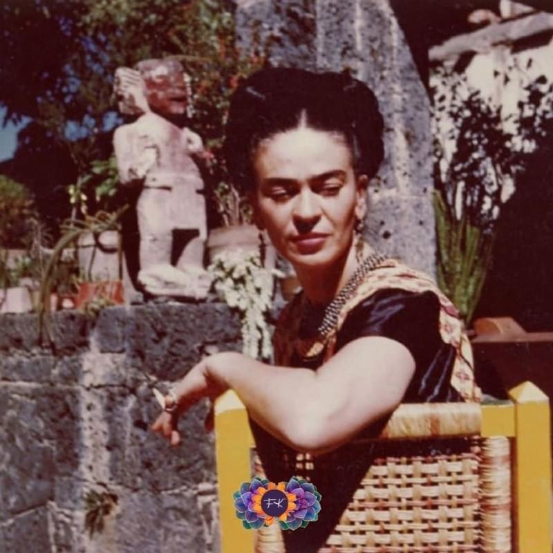 Ιδέες για τη διακόσμηση της αυλής από το Casa Azul της Φρίντα Κάλο