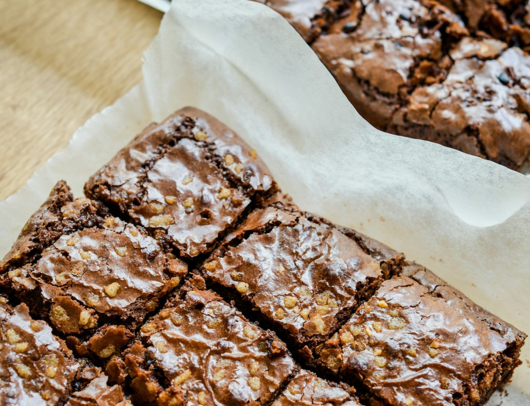 Απόλαυση χωρίς ενοχές: Light brownies χωρίς γλουτένη