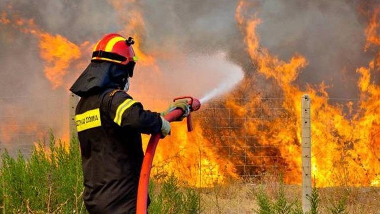 Συναγερμός: Πολύ υψηλός κίνδυνος πυρκαγιάς την Πέμπτη - Ποιες περιοχές απειλούνται