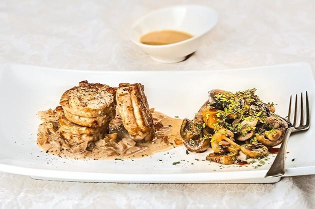Ψαρονέφρι με ζεστή σαλάτα Portobello και σάλτσα κρέμας: Μία διαφορετική συνταγή που θα γίνει η αγαπημένη σας
