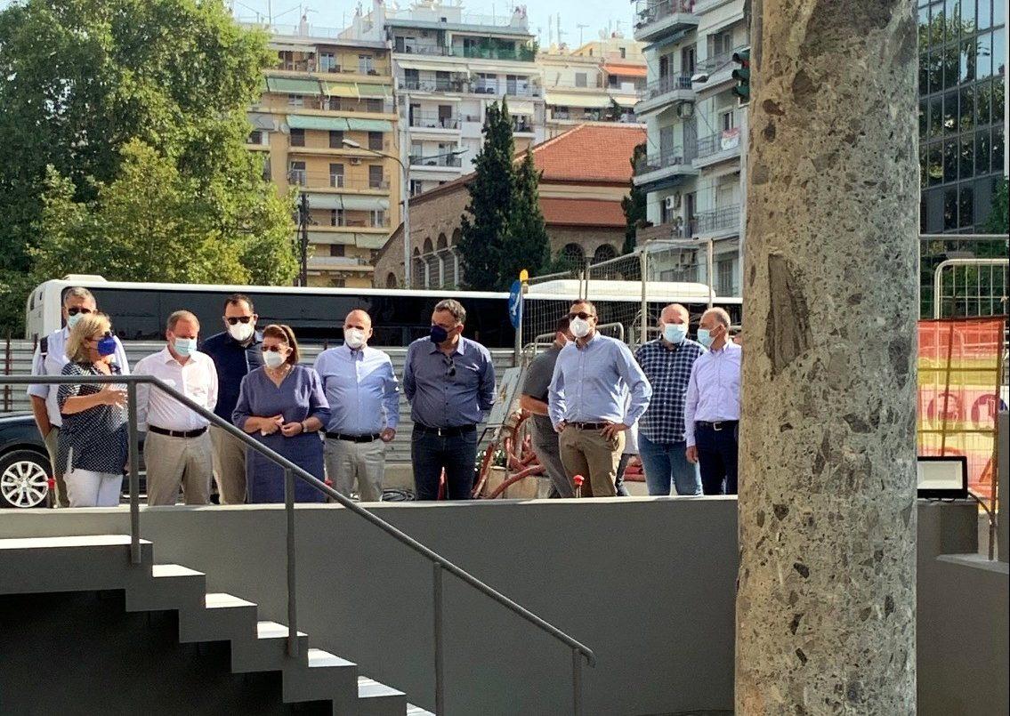 Τα αρχαία στη θέση τους: Αυτοψία Μενδώνη στον σταθμό Αγία Σοφία στη Θεσσαλονίκη