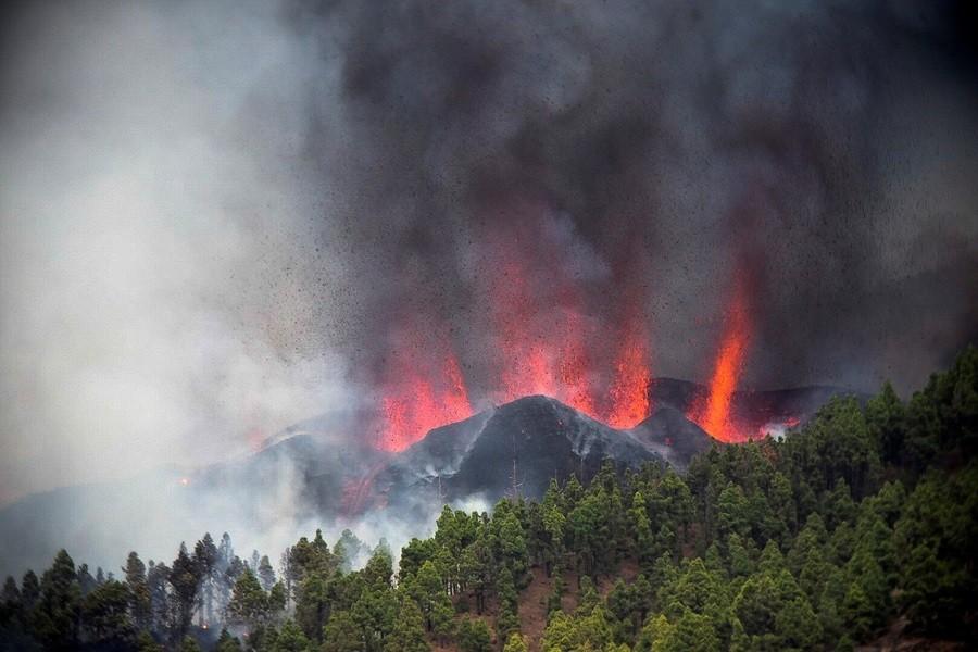 Ισπανία: Από το ηφαίστειο στην θάλασσα αναμένεται να φτάσει η λάβα
