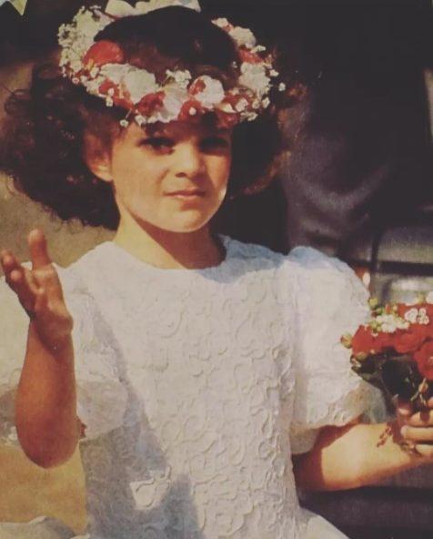 Αθηνά Ωνάση: Από την Ολλανδία στο Μονακό και πίσω, ξαναγράφει την ιστορία της ζωής της μακριά από ιστορίες για καταραμένες δυναστείες