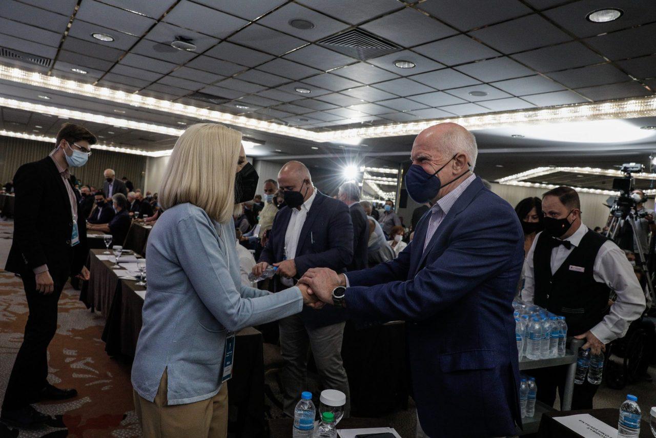 Διεργασίες και αναστάτωση στο Γεννηματικό μπλοκ του ΚΙΝΑΛ- Ξέκοψε τις διαρροές για υποψηφιότητα του ο Γιώργος Παπανδρέου